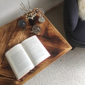 Forskellige typer af borde. Både med skrå eller sildebensplanker- kan laves på bestilling efter ønskede mål.