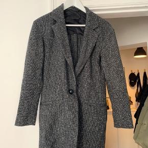 Sort og grå- overgangsjakke. Super fin stand