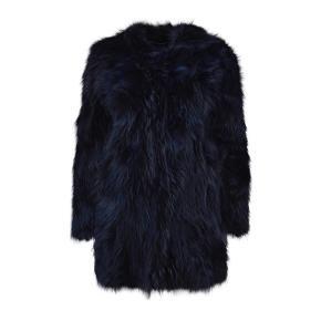 Ægte pels jakke.  Vaskebjørn. Ny pris ca 7000 Farvet mørkeblå. Mangler en hægte