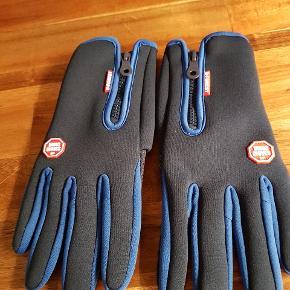 Handsker .... Med touch så man kan bruge mobiltlf .  Aldrig brugt .