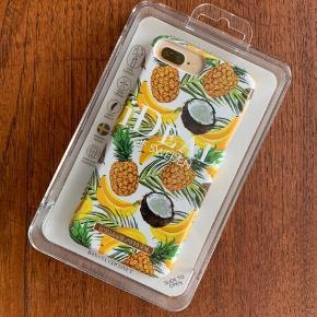 Helt ubrugt iPhone cover fra Ideal of Sweden - passer til iPhone 8/7/6/6S Plus 😊☀️ Der følger et panserglas med i prisen 😊