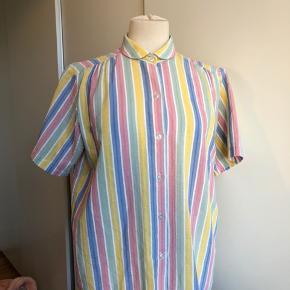Vintage pastel skjorte. Intet mærke eller str. Ca str M. Fejler intet!