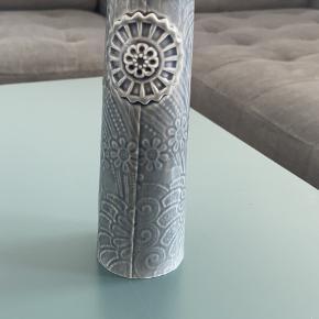Finnsdottir vase
