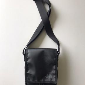 Lækker The North Face taske :)) Næsten som ny