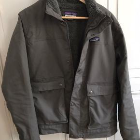 Patagonia canvas jakke med Fleece inden i. Bugt 10 gange ca.