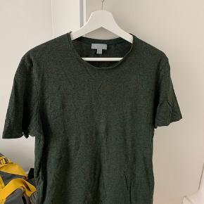 Virkelig fed mørkegrøn COS t-shirt