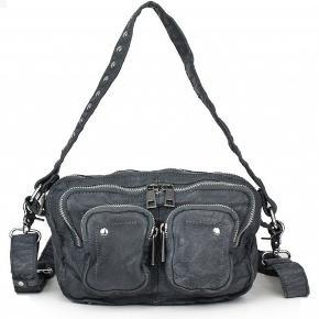 Nunoo Allimakka taske i vasket grå læder sælges
