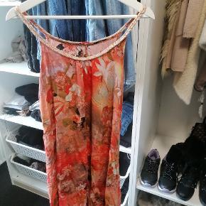 Følger også med i en kjole pakke, se de andre annoncer.