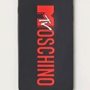 Cover som passer til IPhone fra HMxMoshino kollektion, det er brugt i en kort periode - men uden slid, da det er i gummi materiale  Kom med bud   Moschino HM IPhone