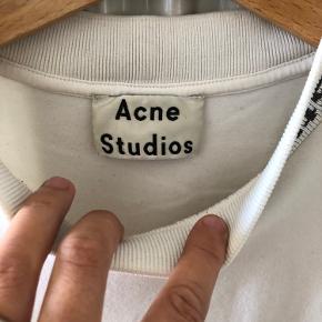 Acne studios, str s, men fitter stort.