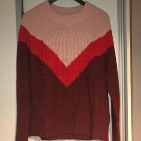 Sælger min mega lækre sweater fra Samsøe & Samsøe da jeg ikke får den brugt