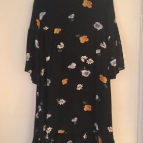 Cool kjole fra Ganni