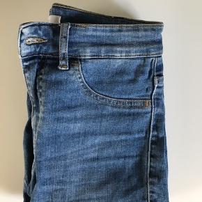 Sælger disse jeans fra Envii, brugt et par gange, men stadig i god stand. Størrelse small