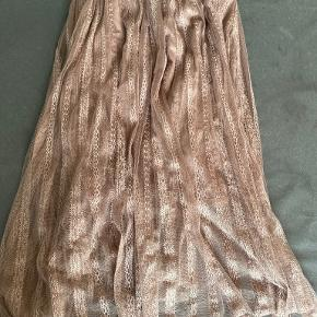 Liberté kjole eller nederdel