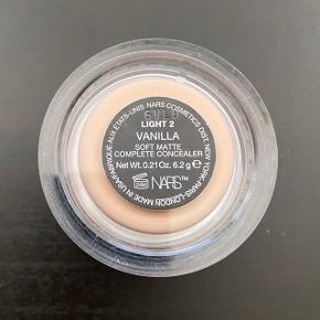 NARS Soft Matte Complete Concealer i farven Vanilla.  Brugt en gang.   FAST PRIS: 120 kr. + porto