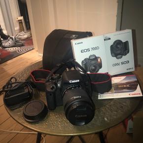 Super godt Canon EOS 700D kamera Købt i 2015, men kun brugt 3 gange  Næsten som ny  Alt medfølger: Kvittering, boks, taske, batteri og oplader  Ny pris 4.800   Skriv i pb eller i kommentar for mere information om kameraet
