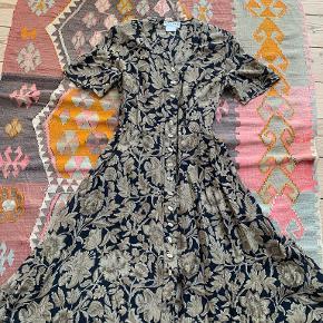 Jaeger kjole