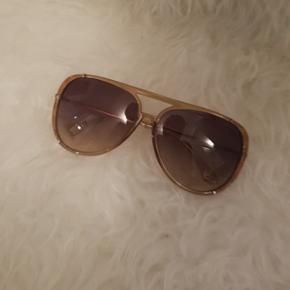 Michael Kors sunglasses, almost new ,with case