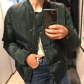 Dunjakke fra Magasin str S, jakken er brugt et par gange, men fejler intet.