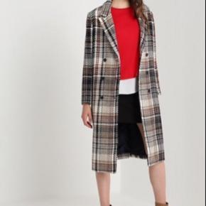 Sælger min Mads Nørgaard frakke. Brugt kort sidste vinter.