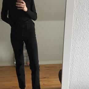 Levi's 314 shaping straight i størrelse waist 26. Sælges da jeg har et par magen til, verdens bedste bukser