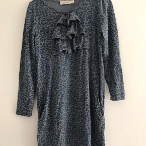 Fin kjole fra MarMar i str 4 år. Køber betaler porto og har mobilepay