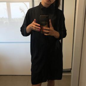 Vildt fed lang skjorte / kjole fra Vero Moda Str: small Byd :)