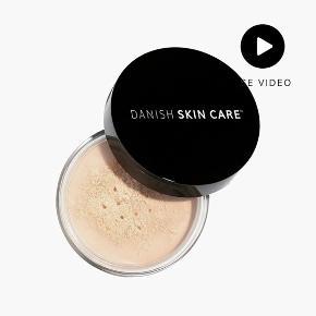 Helt ny mineral pudder / foundation fra Danish Skincare  Farve Light   Købspris 345 kr.