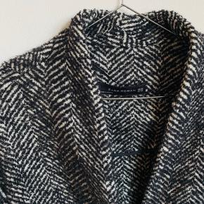 Zara frakke sælges, perfekt overgangsjakke til efteråret, fejler intet  Kom endelig med bud! 🍂