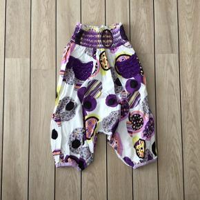 Super søde baggy bukser haremsbukser str. 3 år fra Aya Naya (Aldrig brugt - kun vasket)