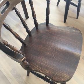 4 kro stole sælges for 125 kr pr. stk. eller alle 4 for 400 kr