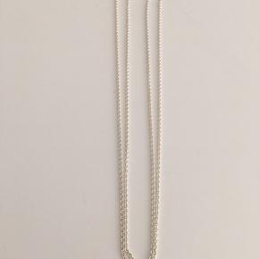 Pind J Design (Guldsmed) sølvkæde i AG925  60 cm x 0.4 mm x 1.5 mm. Brugt 1 gang.