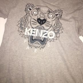 Np: 700Cond: 3/10 Mp:80 Sælger den her trøje Er meget brugt så derfor sælges den til en meget billig pris.   Sælges til 100 inkl fragt