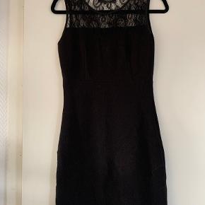 Sisters Point kjole