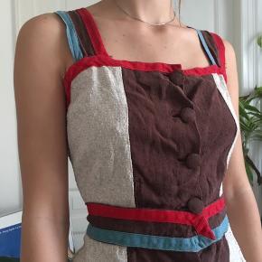 Flot vintage kjole. Lidt slidt, sender gerne billeder.