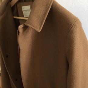Enkel og klassisk jakke til efterår og vinter
