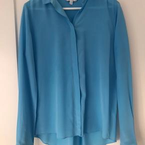 100% silke skjorte - fejlkøb. Aldrig brugt.