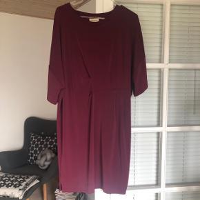 Smuk kjole - brugt få gange.