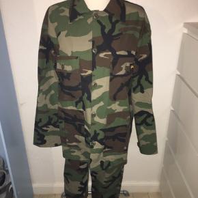 Army Camouflage sæt fra stan Ray. Skjorten er en larg og bukser er w30 og l32.