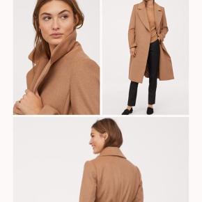 Lækker camel coat fra H&m i uldblanding billeder af egen frakke på vej