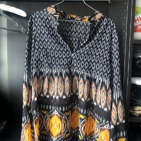 Smukkeste skjorte fra Patrizia Pepe Brugt meget få gange    #30dayssellout