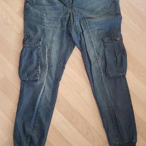 0d883b06 Varetype: Baggy /cargo/ pants/ denim buks Farve: se Brugt 3 gange