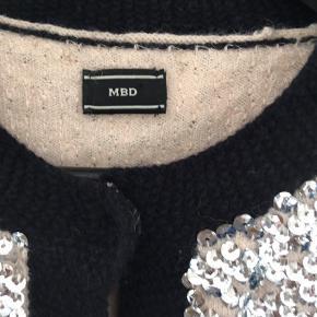 Smuk palliet cardigan fra MB - brugt få gange -  Er som ny !!   Den flotteste fest top!!