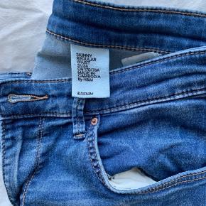 Fine Jeans med stræk!