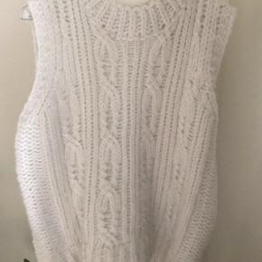 By Swan vest