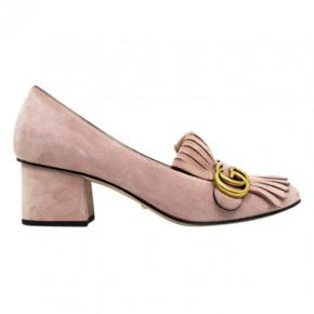 Gucci marmont sko i rosa ruskind  Smukkeste sko  Np 5400 kr  Brugt sparsomt!  Ønsker kun seriøse henvendelser!  Kvittering/bevis følger med