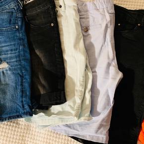 6 par shorts størrelse 12 år  Har flere tøjpakker til samme alder