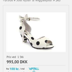 Smukke sko fra Lola Ramona. Aldrig brugt. Stadig i kassen. Sender ikke. Kan Evt. Afhentes i Aalborg.