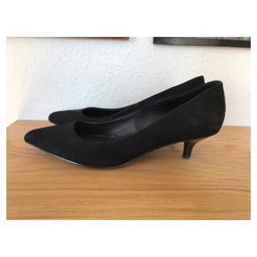 Kitten heels  Se også mine andre annoncer eller følg mig på Instagram @2nd_love_preowned_fashion