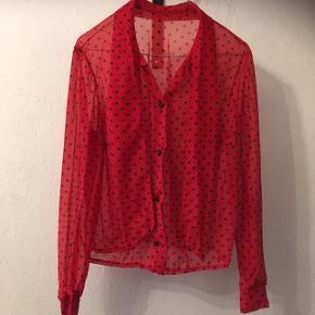 Smukkeste vintage skjorte i skøn str. M.Super fin stand. 70kr, eller byd! Aarhus